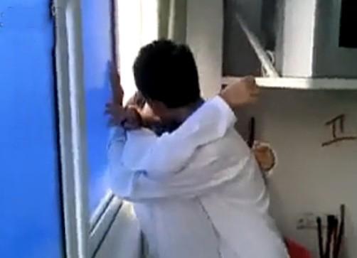 网传石狮初中生视频内当众热吻学生引热议初中生自传教室图片
